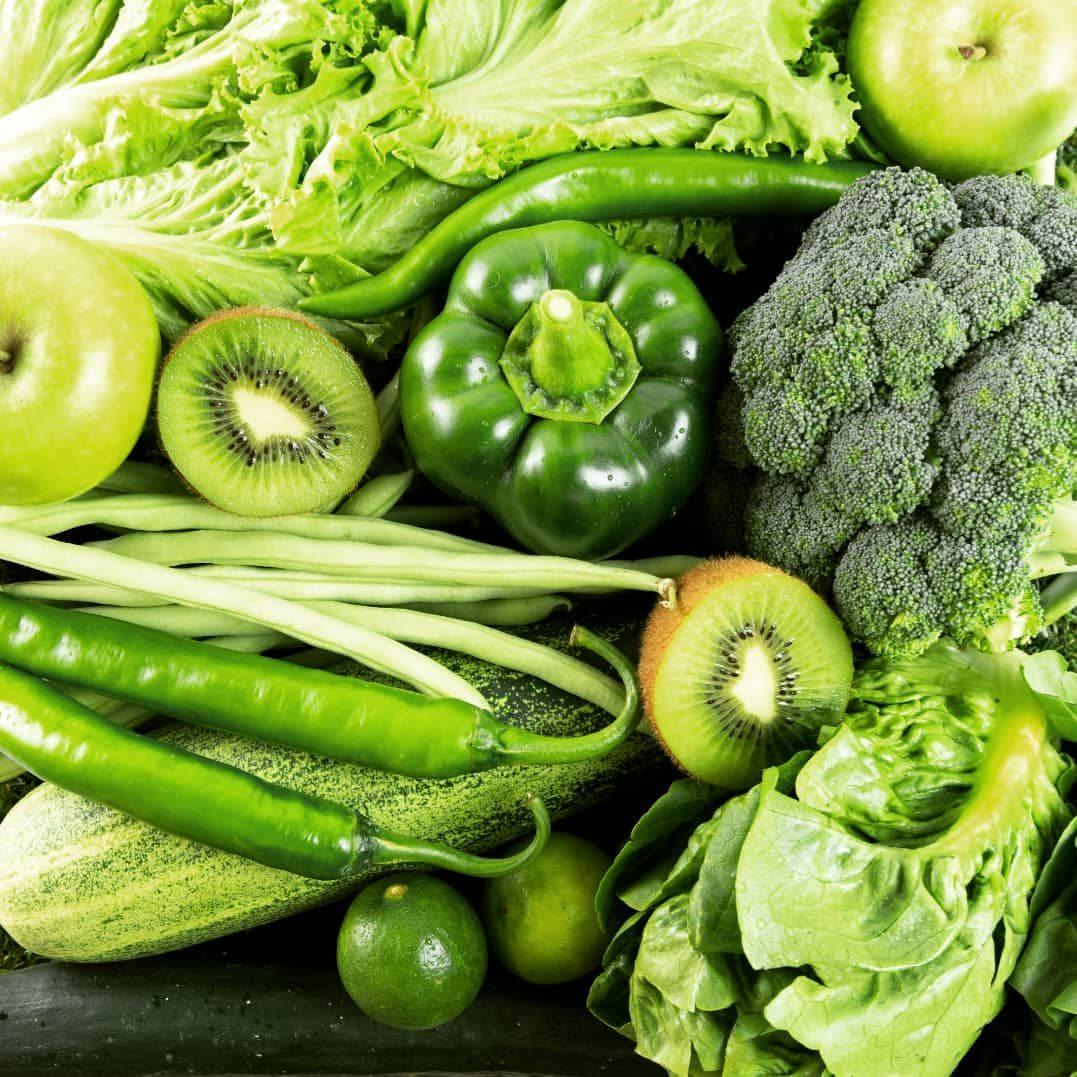 Thiếu máu nên ăn gì? – Nên ăn các loại rau lá màu xanh thẫm
